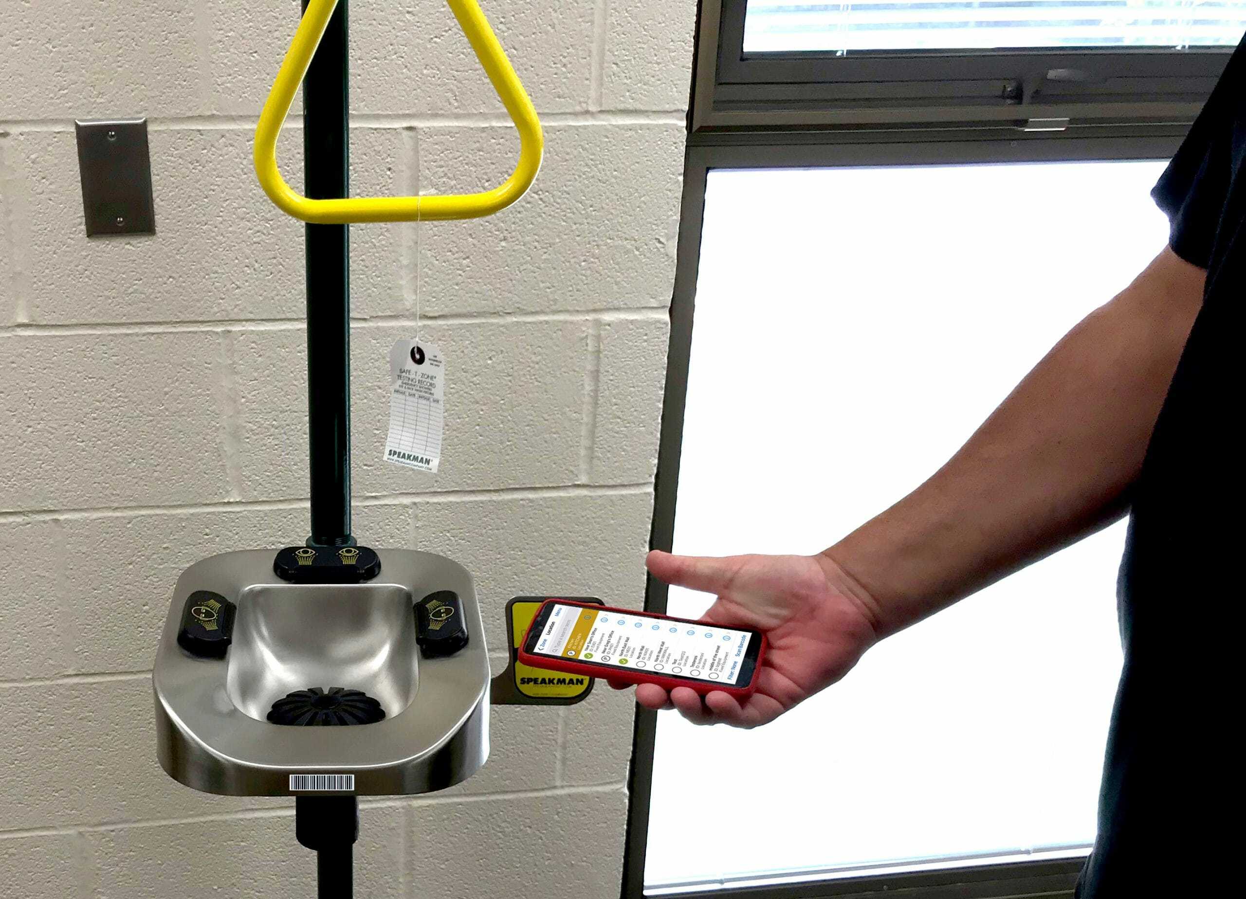 inspection app image showing EHS mobile barscan of an eyewash station